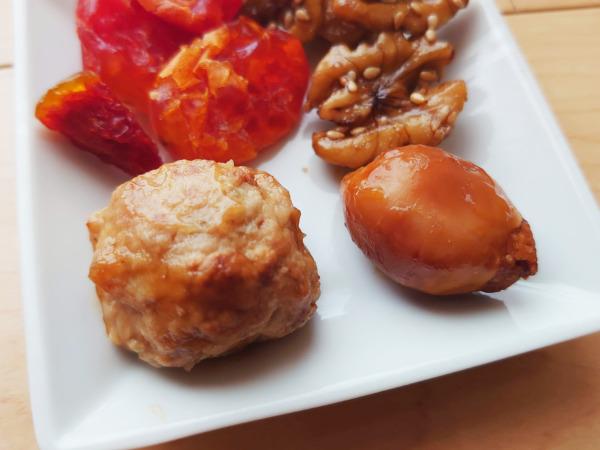博多久松の500円おせちの鶏つくね照焼