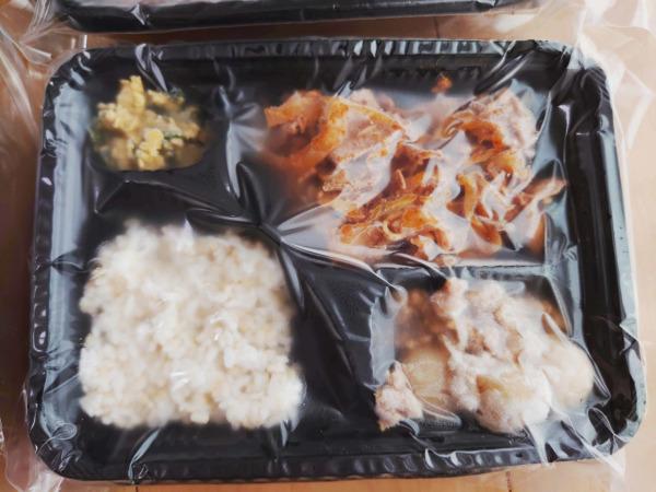 Bキッチン「回鍋肉弁当」の解凍前