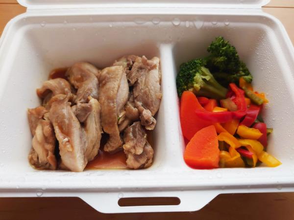 GOFOODのカレーソース鶏もも肉ステーキ
