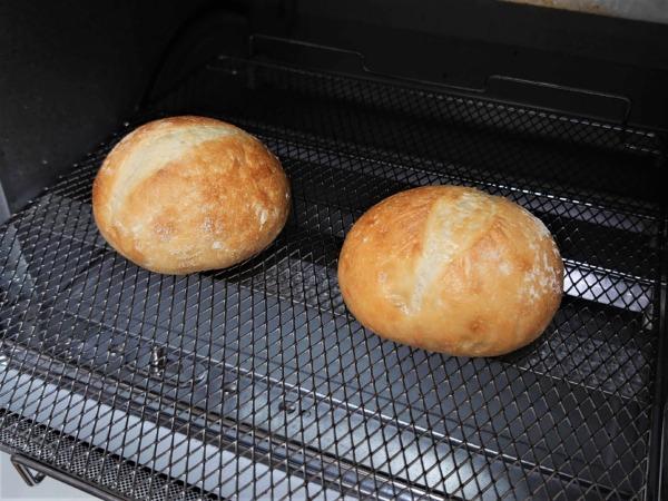 パンドのパンを温める画像